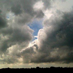 Trou dans le nuage